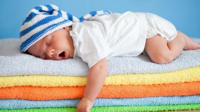 bébé qui dors bien