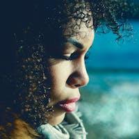 visage femme noir