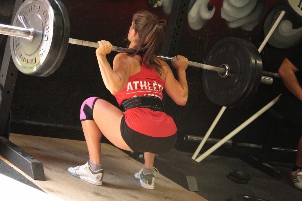 Maggie Dumoulin squat