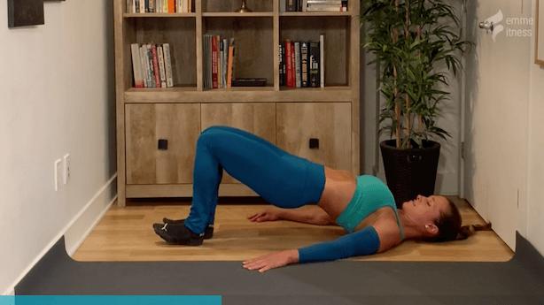 exercice du leg curl inversé au sol