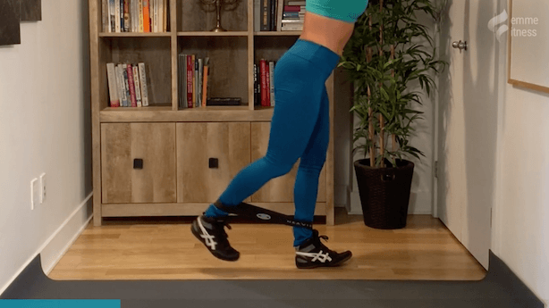 exercice du levé à 1 jambe pour le fessier
